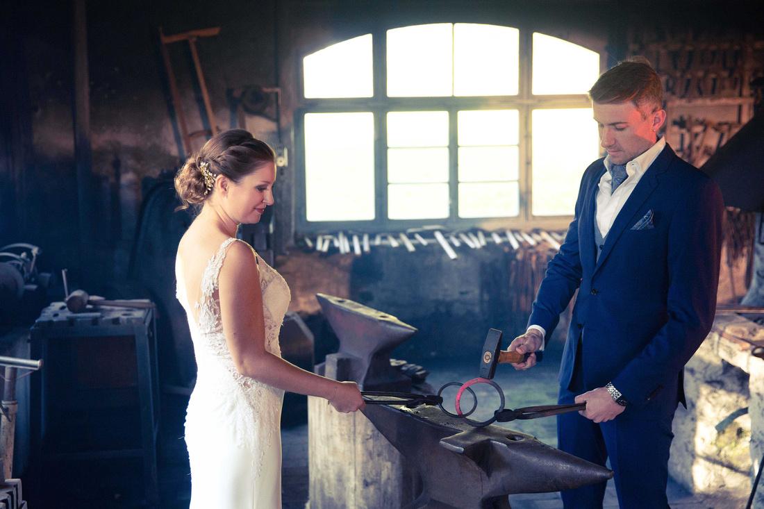 Hochzeit im Schloss Amtzell, Hammerschmiede Amtzell, Brautpaarfotoshooting.115